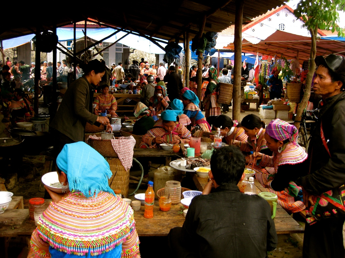 Bac Ha food court